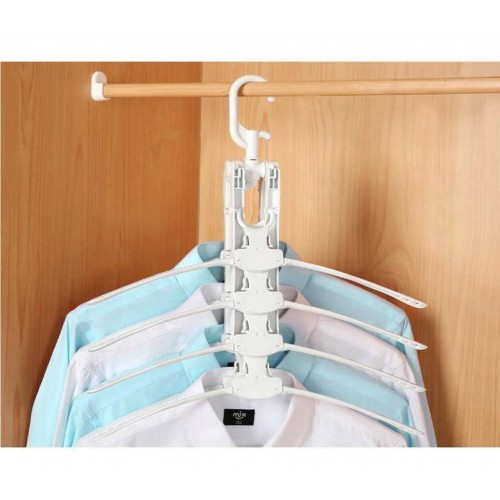 Multi-functional plastic clothes hanger3